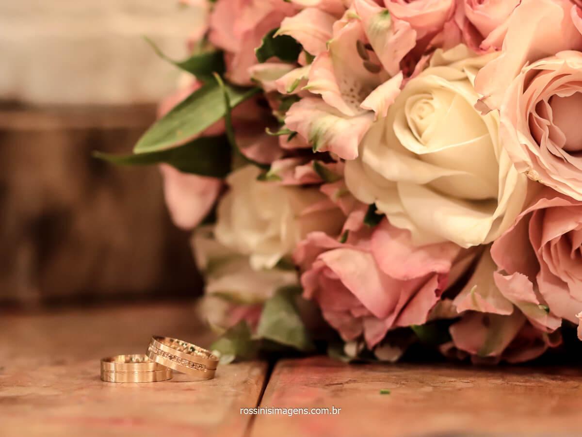 fotografia de casamento, fotografo de casamento, fotografia das alianças com o buquê, @RossinisImagens