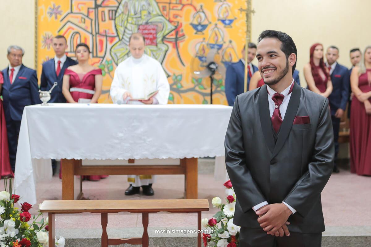 fotografia de casamento noivo no altar, @RossinisImagens