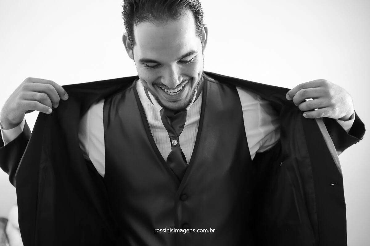 noivo colocando palito, terno, smoking, fotografo de casamento, @RossinisImagens