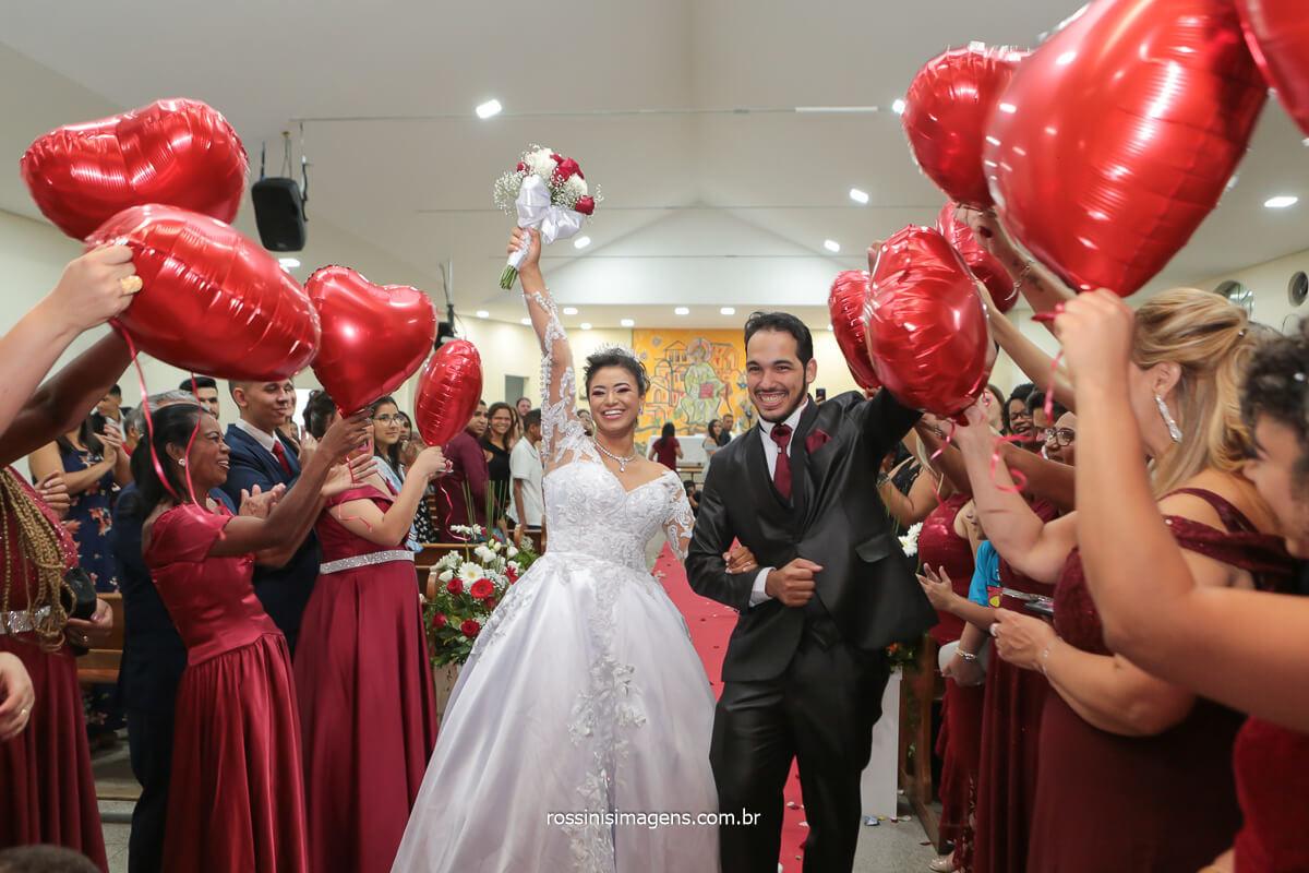 Fotografo de Casamento em Poa, Fotografo de Casamento em São Paulo, Saída dos noivos com Balões, @RossinisImagens