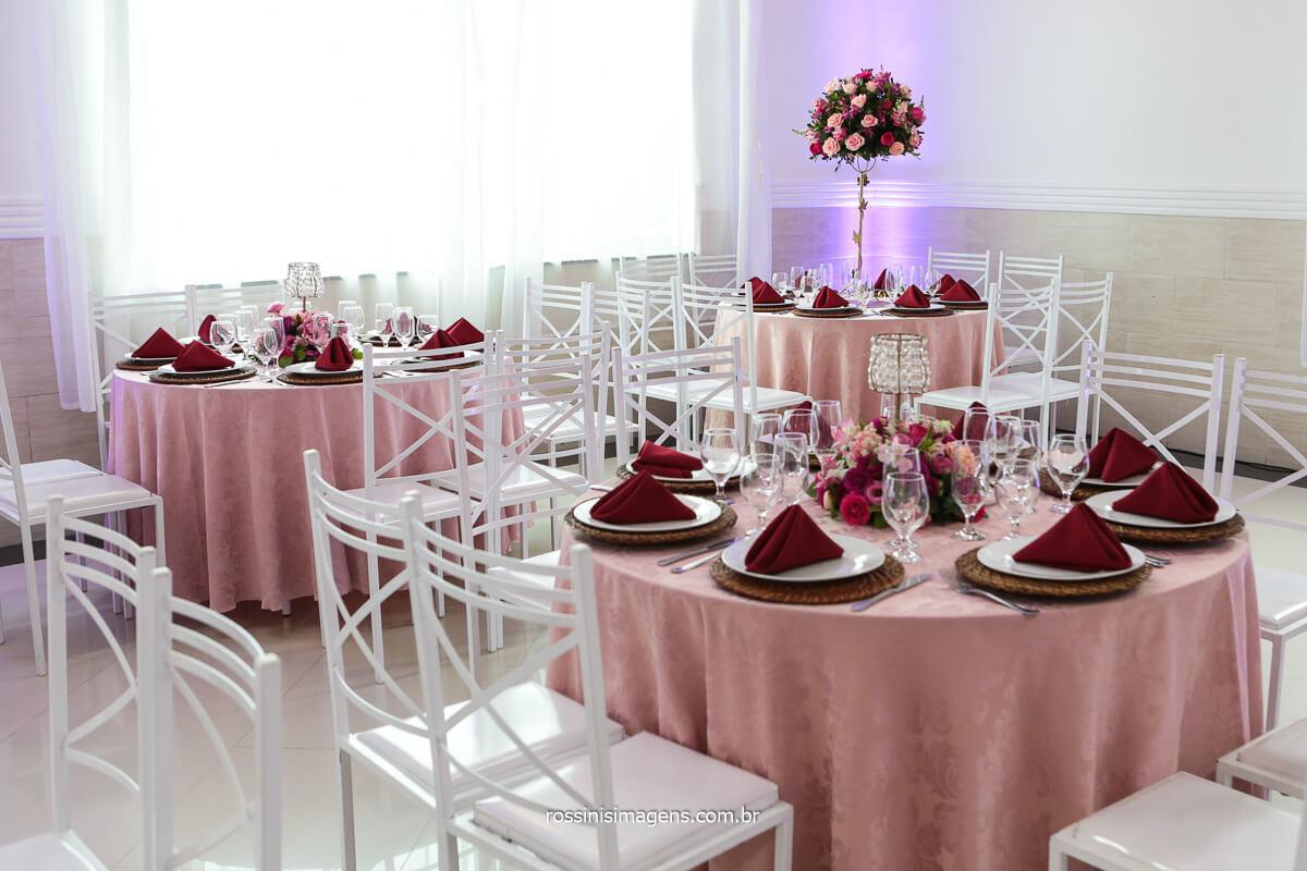Decoração da Mesa de Convidados Montada Por Neide Decorações e Buffet Rose Festas, Fotografo Rossinis Imagens