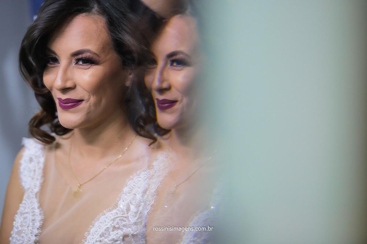 Alegria e Felicidade da Noiva Com o Casamento