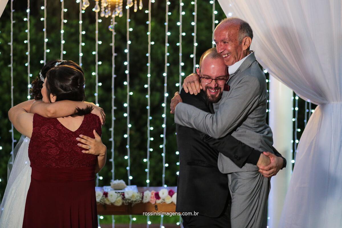Comprimento dos Pais do noivo no Altar