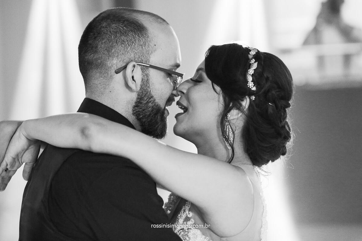 Casal Dançando Casamento em poa SP