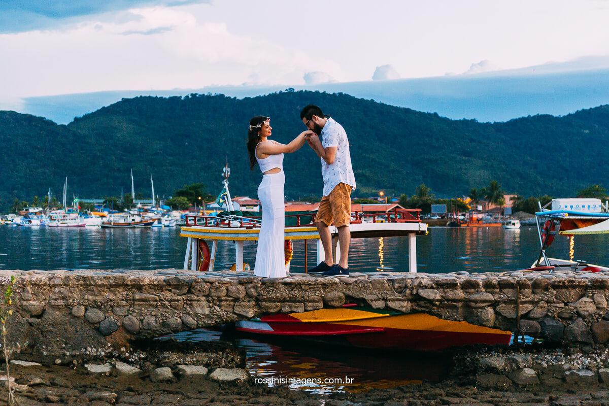 Fotografia de Ensaio de casal em Paraty Rio de Janeiro de São Paulo, Momento de emoção e alegrias Pre casamento, Pos Casamento