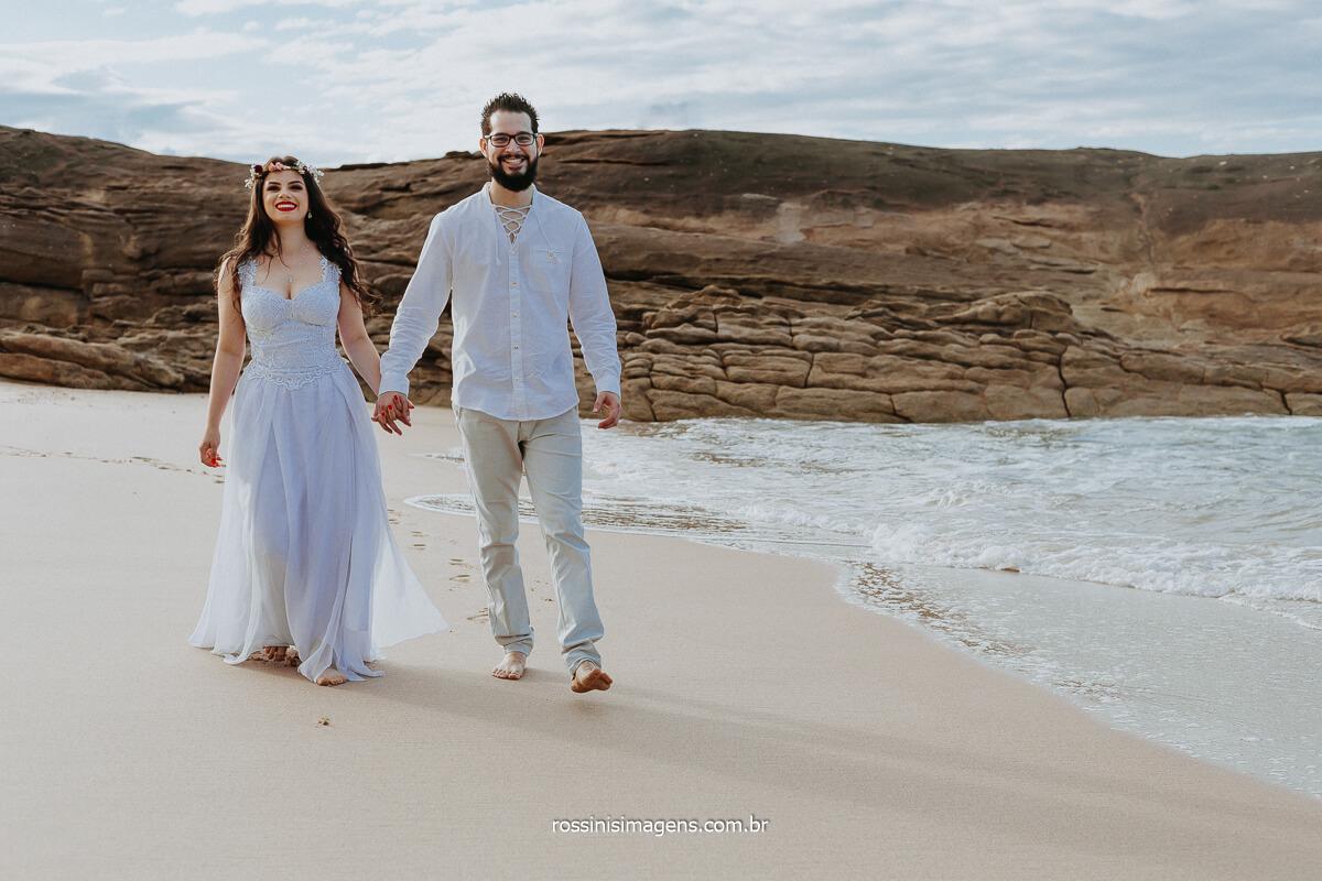 Ensaio de Casal na Praia por Rossinis Imagens Fotografia de Casamento, Ensaios e Retratos