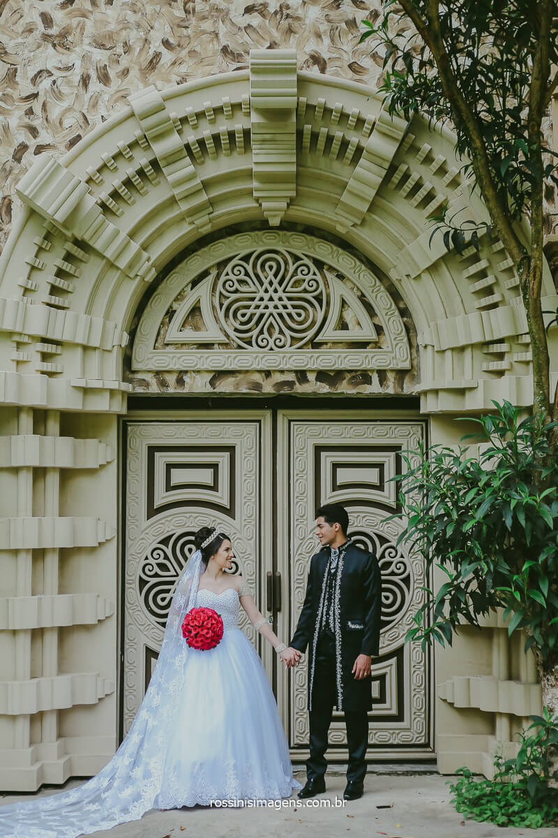 Ensaio de Casal de Noivos Poa Casamento Ensaio Para Marcar um ano de Casamento