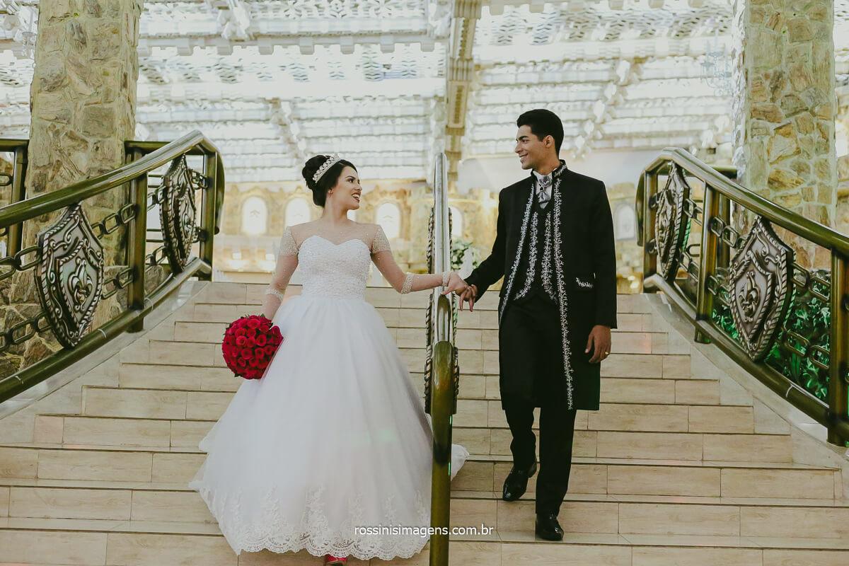 Fotografia de Casamento Noivos em Ensaio Poa Casamento Rossinis imagens Gostou onde podemos Fazer Seu Ensaio Vamos Conversar e Agendar o Seu ensaio! Rossinis imagens Fotografia
