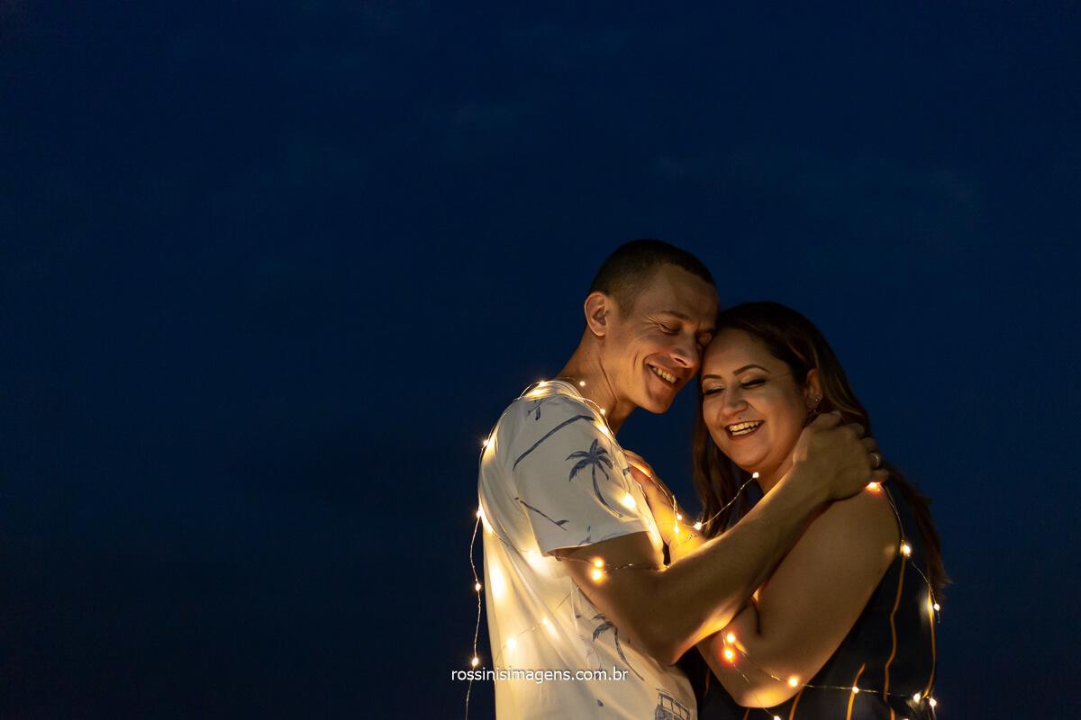 Ensaio Fotográfico de Casal Em Guararema Ensaio de Noivos, Sessão de Fotos de Casais Românticos Fotografia Noturna de Ensaio de Casal Por do Sol , Fim de Tarde