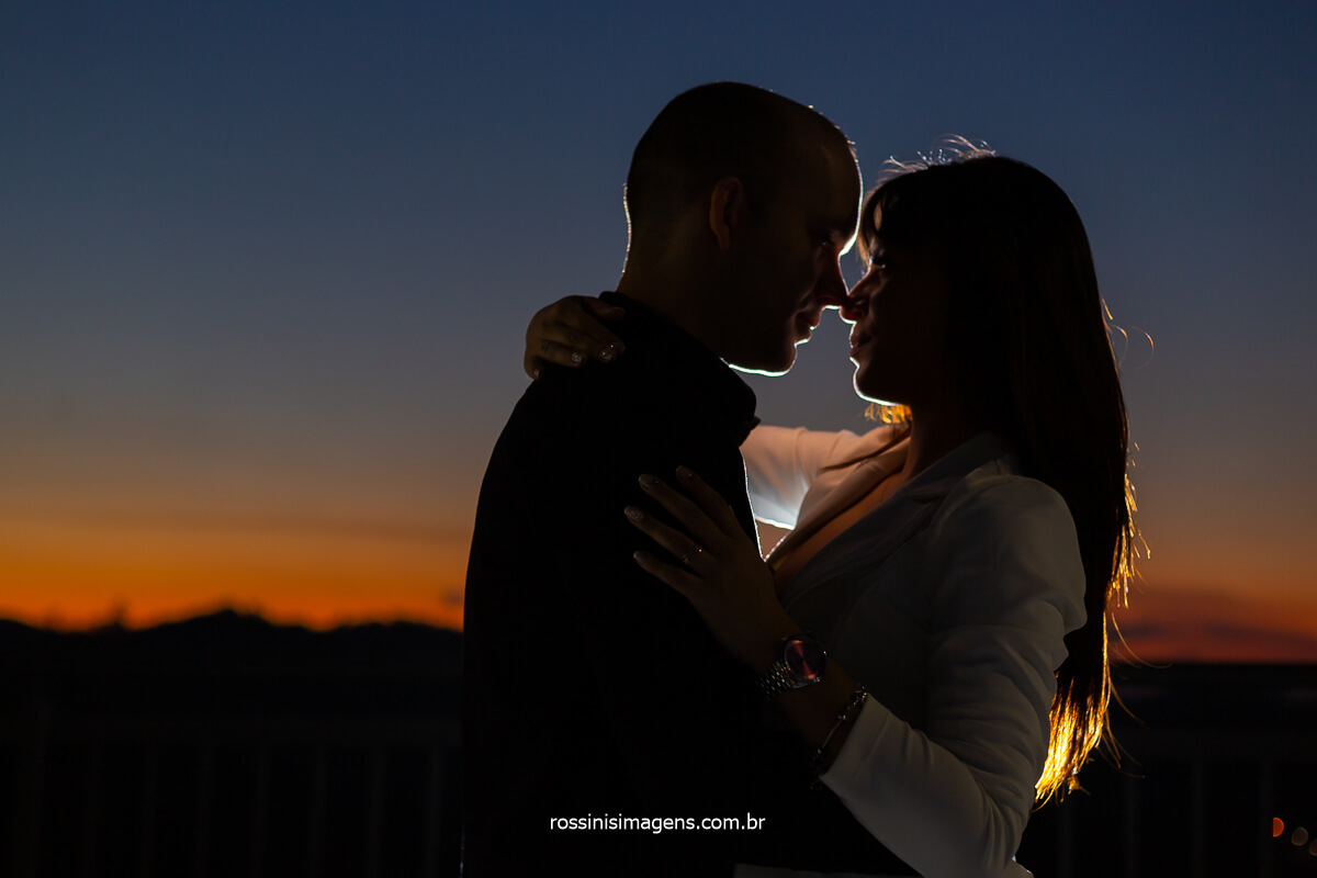 Fotografia de Ensaio Pre Casamento de Casal Pelo Brasil, Esse Ensaio Foi Realizado em Guararema Cidade Próxima a Mogi das Cruzes - SP