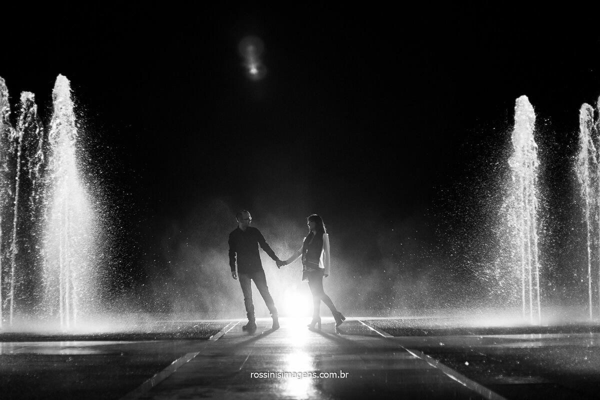 Fotografia de Ensaio de Casal Amanda e Felipe No Mirante da Cidade, Fotografo Rossinis Imagens Inspiração de Ensaio de Casal Diferente Recordação Para Evolução da Família