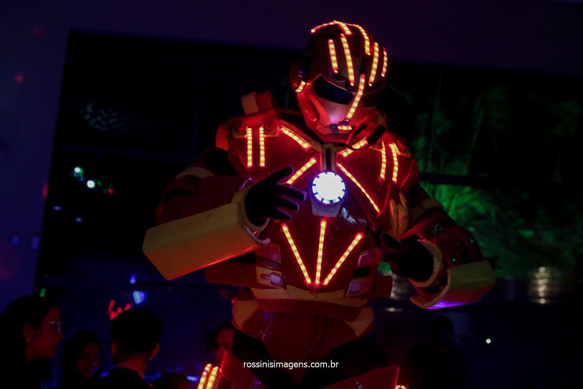 animação e entretenimento com robô de led