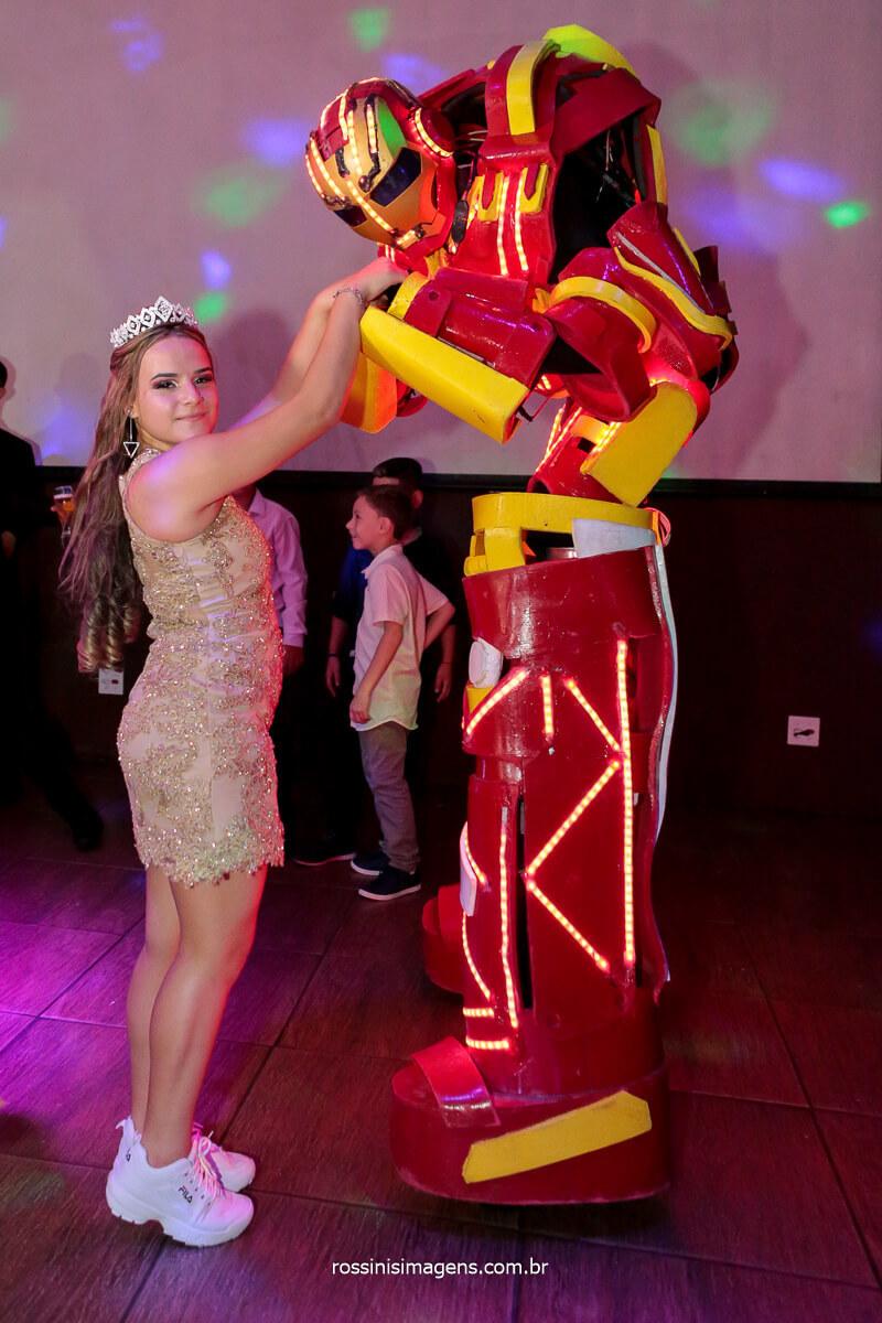 Debutante Jeni com o Robão de Led