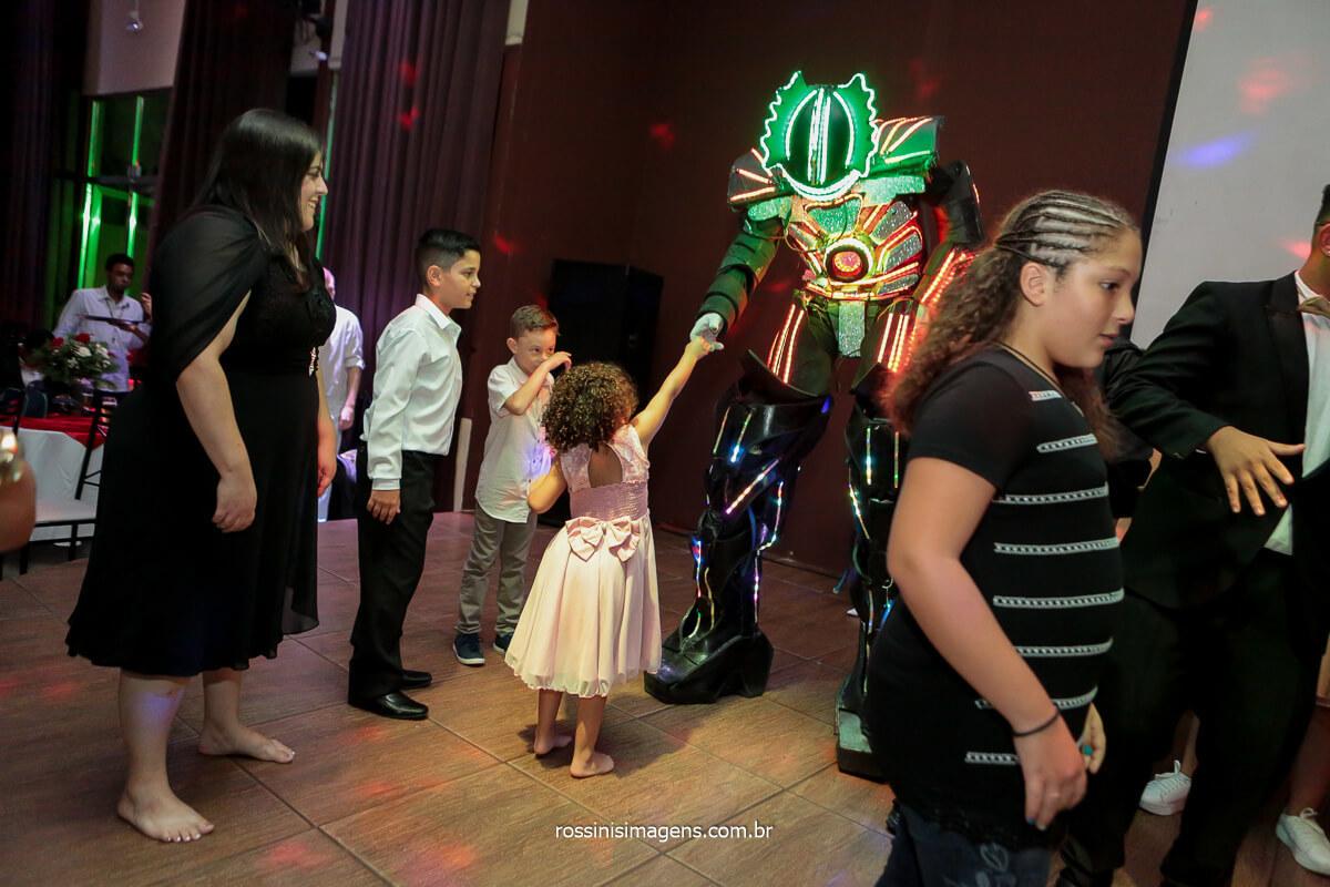Balada Animada com Robô de LEd