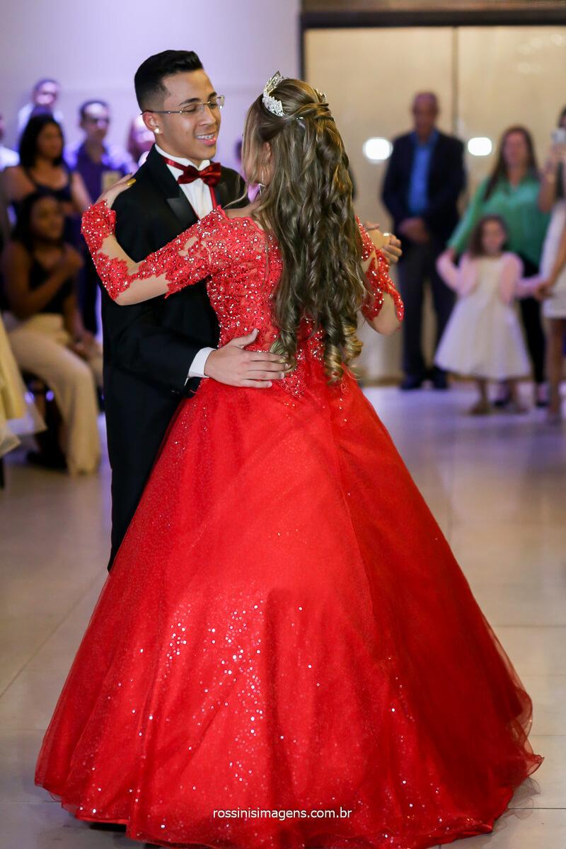 Valsa com o Príncipe, da festa de 15 anos, Quinze anos Debutante com o Príncipe, Valsa Dança