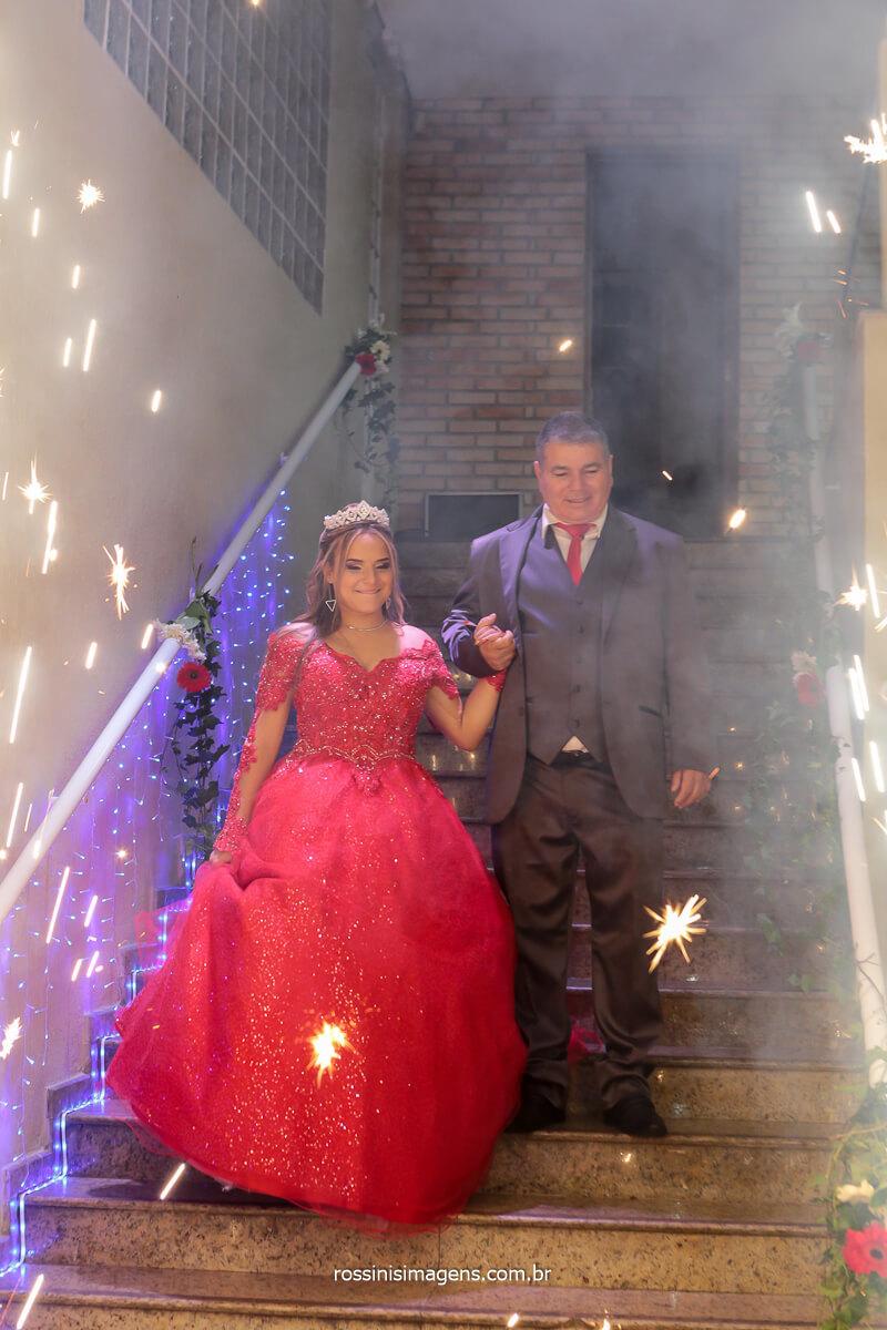 Entrada da Debut com seu pai para o cerimonial dos 15 anos da Jeniller