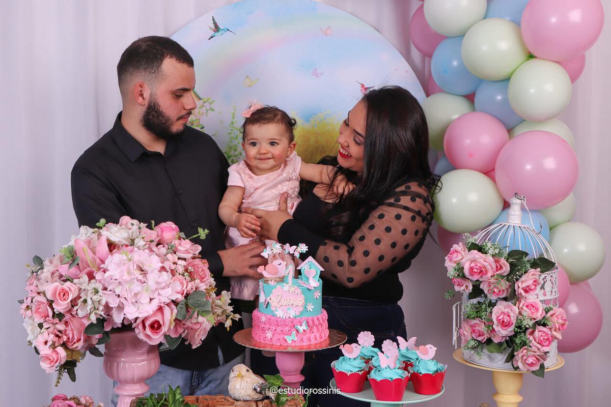 pai filha e mãe na festa no estudio, fotografia de família no estúdio comemoração de aniversario, book birthday, @estudiorossinis