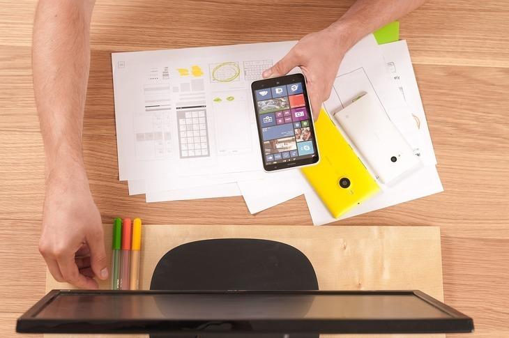 Imagem capa - Conheça 3 dicas de App para desenhar móveis planejados por Macola Madeireira Ltda.