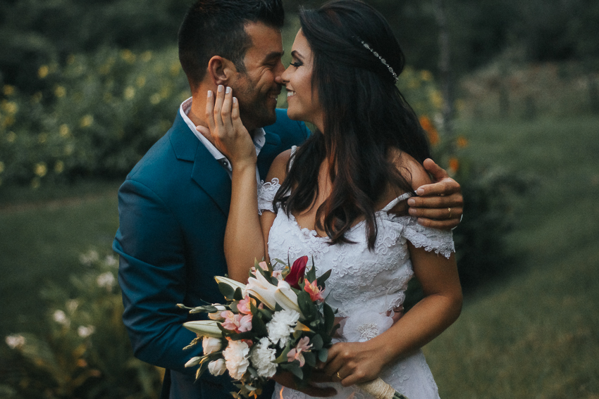 Imagem capa - Um casamento rústico e romântico na Praia do Estaleiro por Alan Vieira