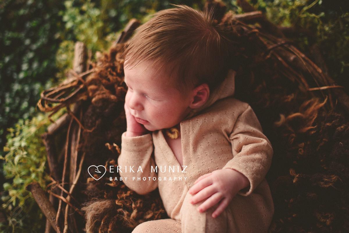 Imagem capa - Quando realizar os ensaios de newborn? por Erika Muniz Photography