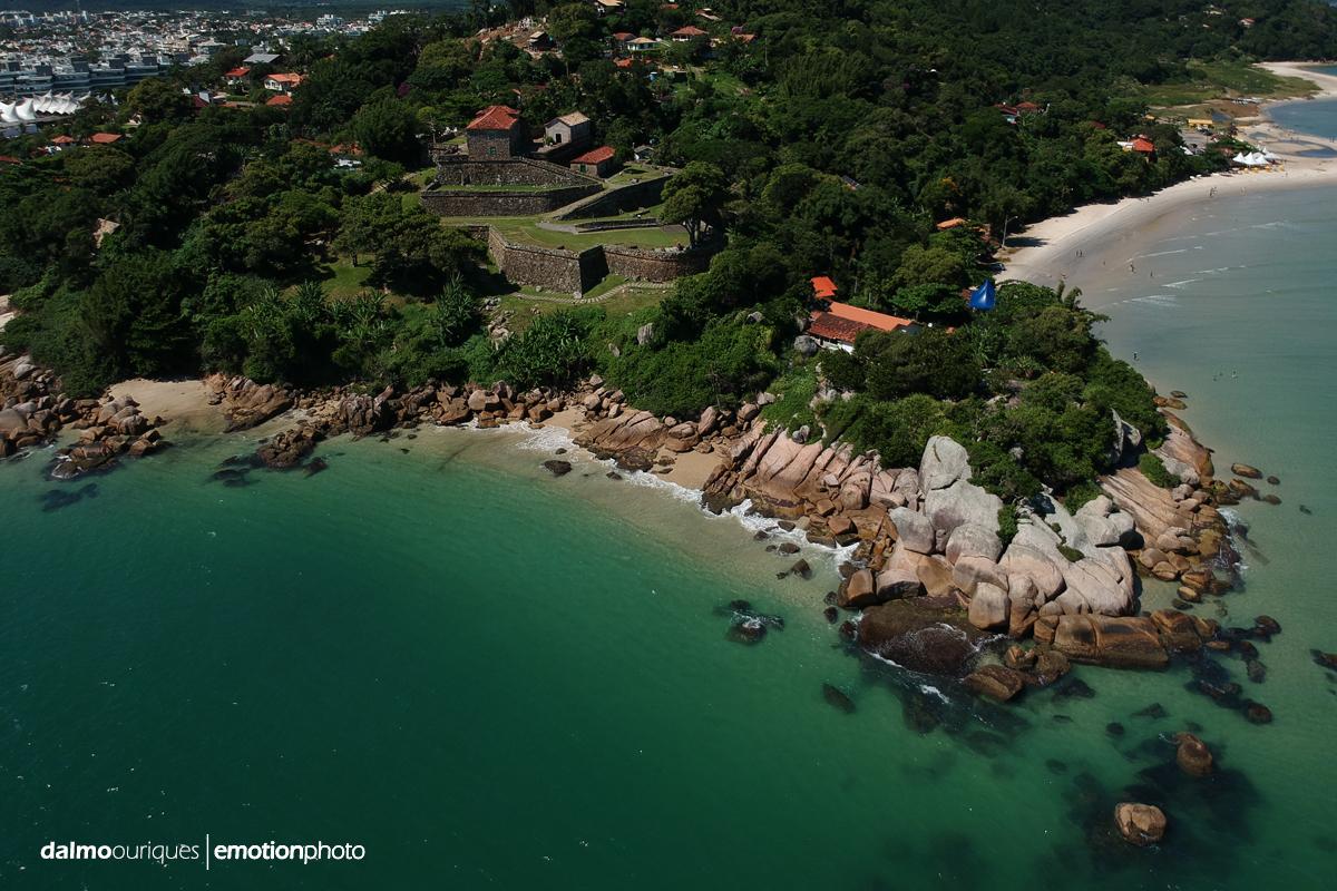 Imagem capa - O lugar mais exclusivo para celebrar um casamento em Florianópolis por Dalmo Ouriques