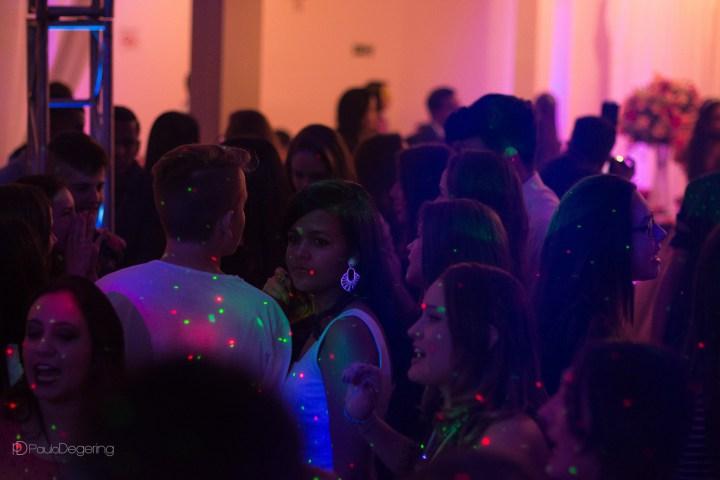 Imagem capa - A festa de 15 anos perfeita – O salão de festas por Paulo Degering Rosa Junior