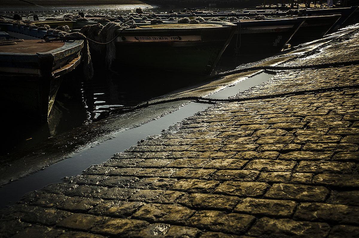Imagem capa - Luz, sombra e composição por Dennis Calçada