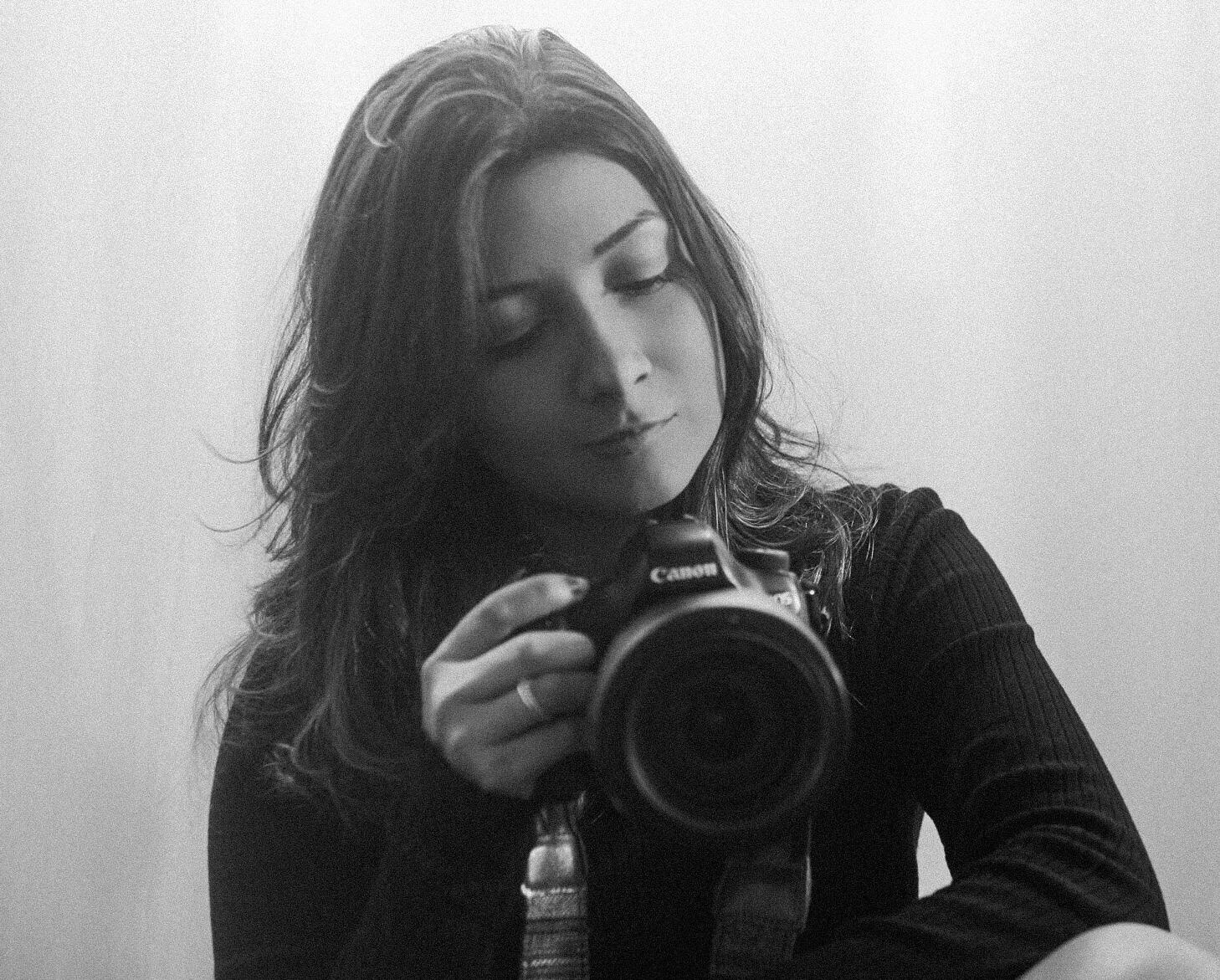Contate Duda Lima - Foto Studio
