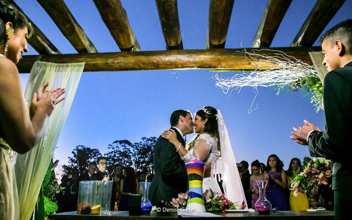 Imagem capa - Fotografia de Casamento no Espaço Eventos Estancia - Denise Giesel Fotografia Porto Alegre por Denise Giesel