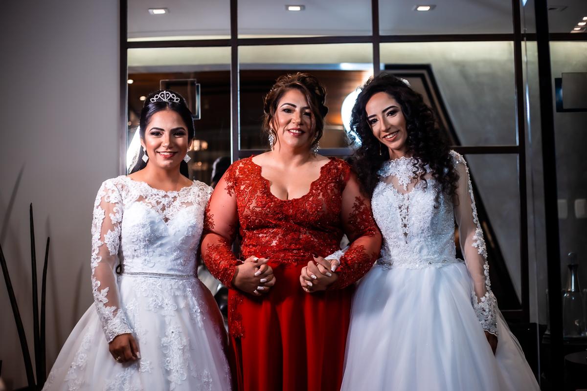 noivas com a mãe