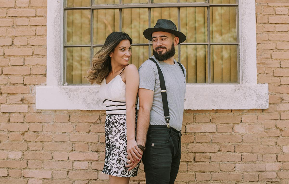 Imagem capa - Está pensando em se casar ?  por Elisangela Tagliamento Barbosa
