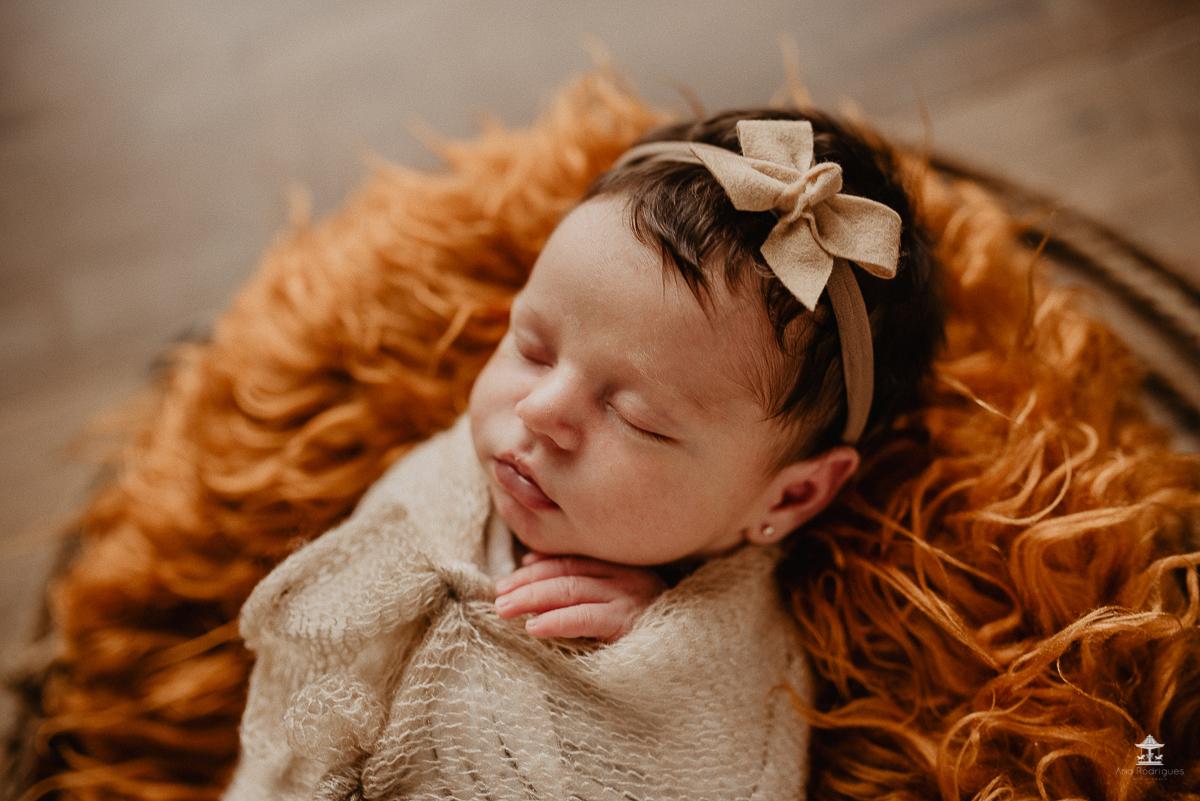 Imagem capa - O que é ensaio newborn? por Ana Rodrigues