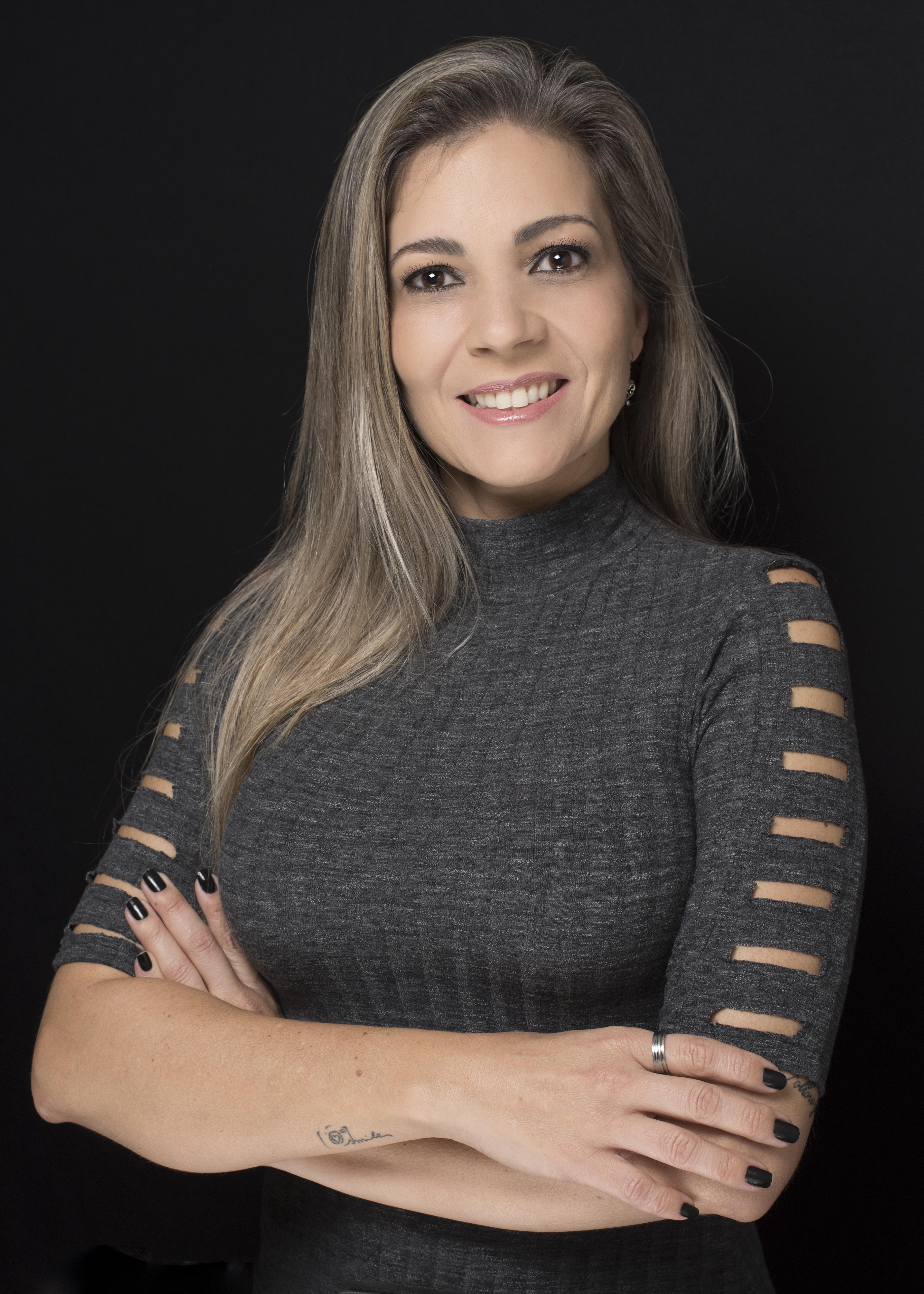 Contate Fotógrafa de Newborn, Gestante e Acompanhamento em  Ponta Grossa-Pr Karol Monarini