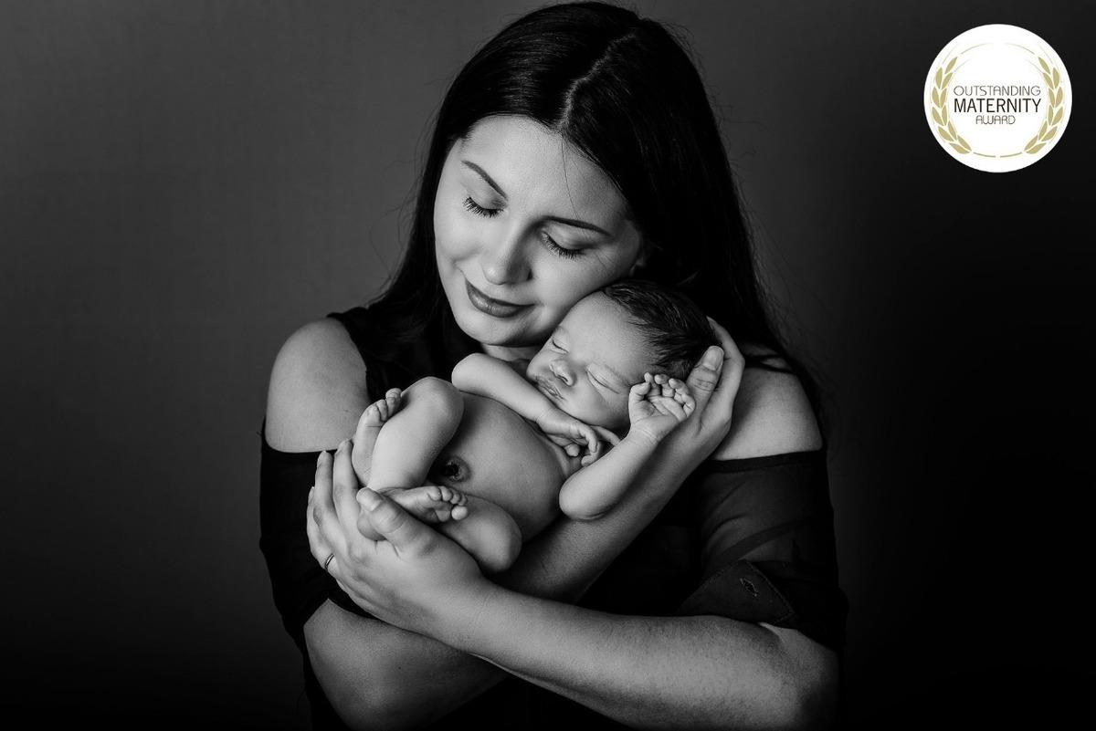 Imagem capa - Quando fazer o ensaio newborn? por Karol Monarini
