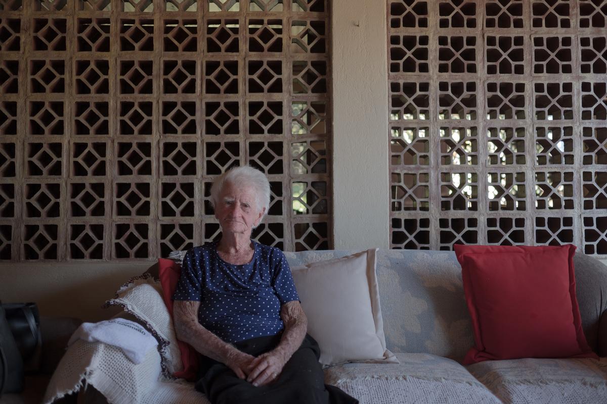 Imagem capa - Armelinda, minha avó por Manu Rigoni