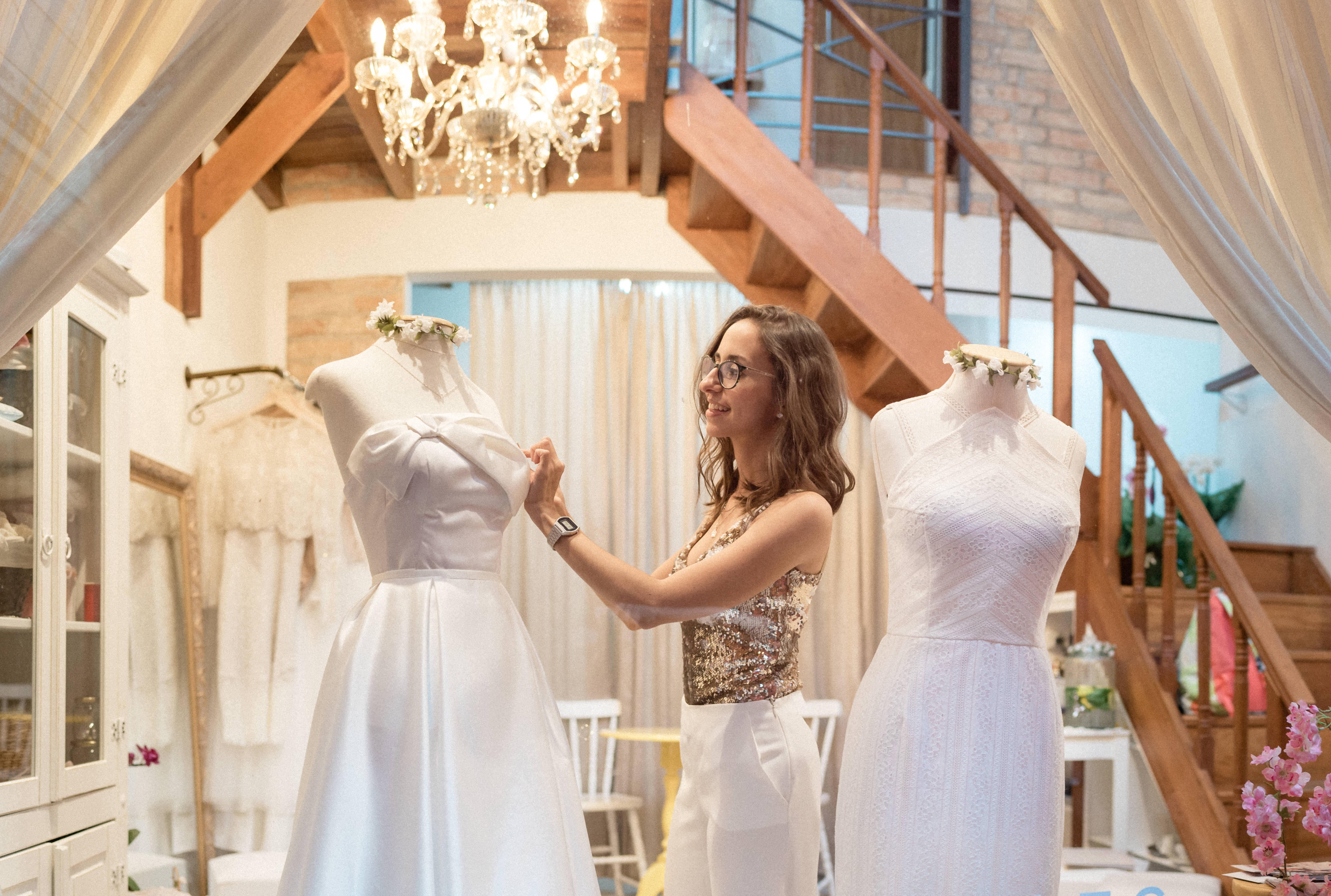 Contate Helen Salles Dressmaker Atelier