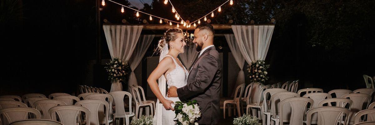 Imagem capa - Mini wedding em Maringá, o casamento para poucas pessoas: vantagens e desvantagens por Elisson Andrade