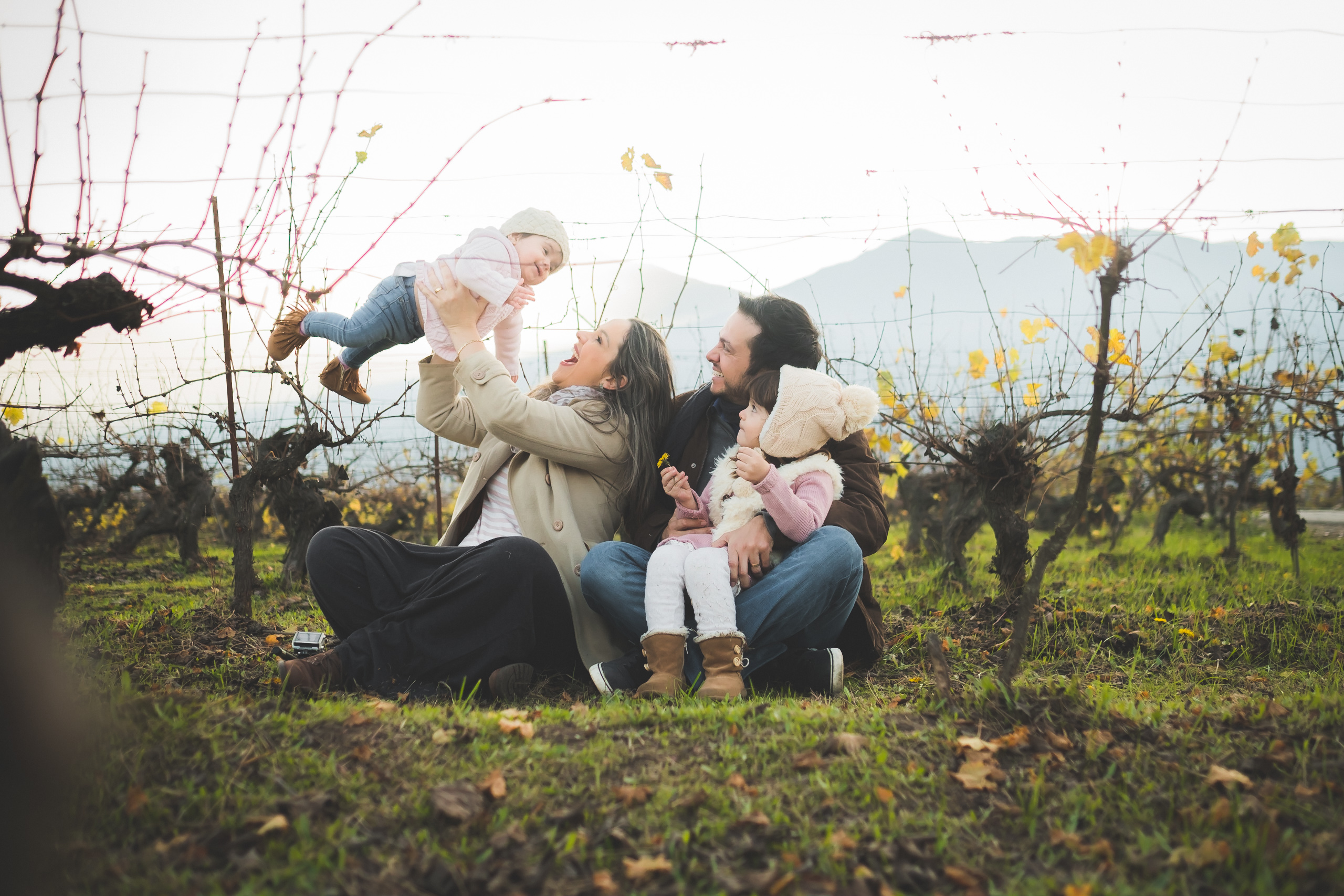 Sobre Fotógrafo e Filmagem em Maringá de Casamentos, Família, Infantil, Gestante, Parto, Bebês e Newborn