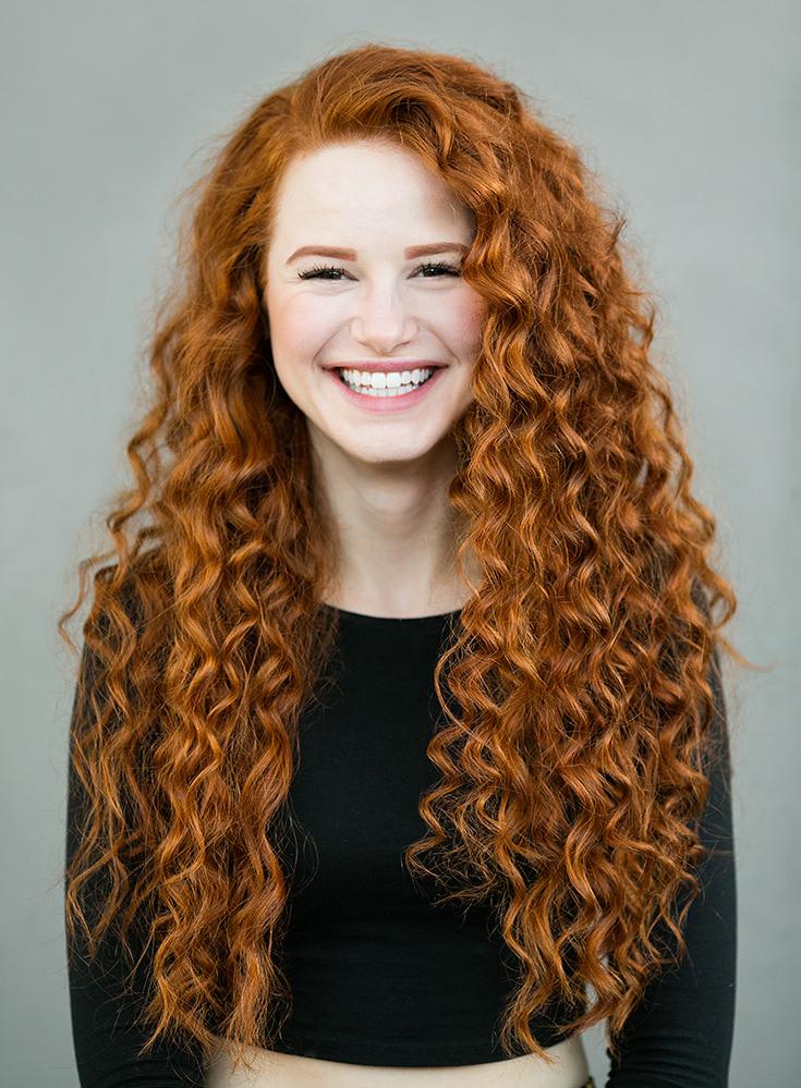 Imagem capa - Fotógrafo viaja o mundo para retratar a beleza do cabelo ruivo por Gislaine Reis