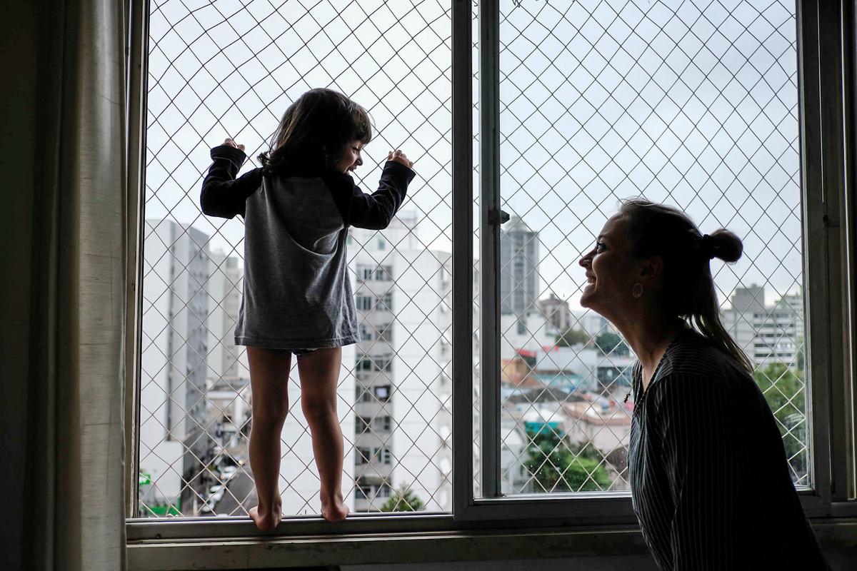 Imagem capa - Quando nasce uma mulher: as mil facetas de uma mãe por Kelly Schmidt - Fotografia feita de amor!