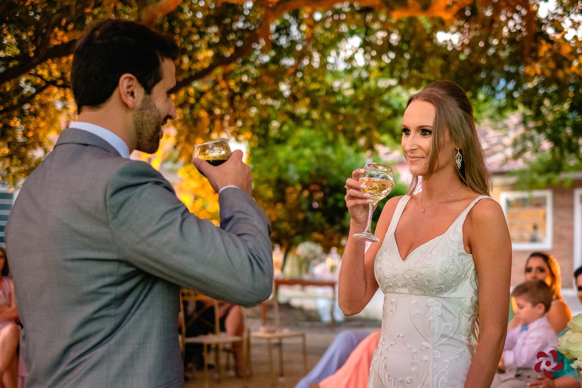 Imagem capa - Você beberia vinho na cerimônia do seu casamento? por Kelly Schmidt - Fotografia feita de amor!
