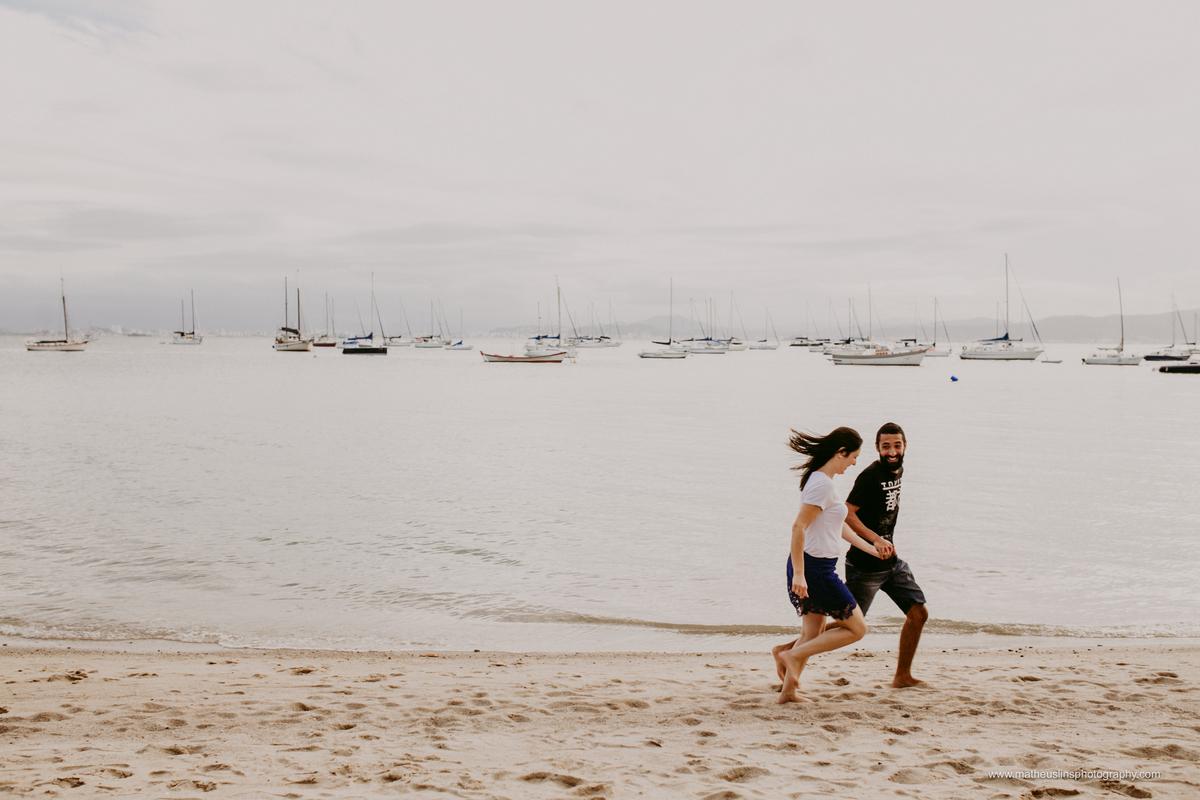 ensaio pré casamento realizado em Santo Antônio  de Lisboa - Florianópolis - Santa Catarina. Lugar conhecido pelo por do sol