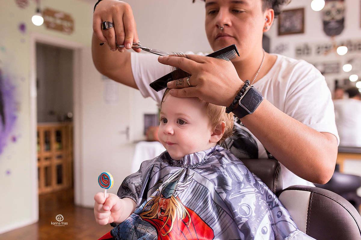 Imagem capa - Primeiro corte de cabelo do bebê por Karina Ferreira Frias