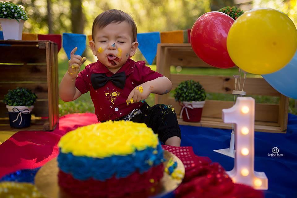 Imagem capa - SMASH THE CAKE: UM ENSAIO INESQUECÍVEL  por Karina Ferreira Frias