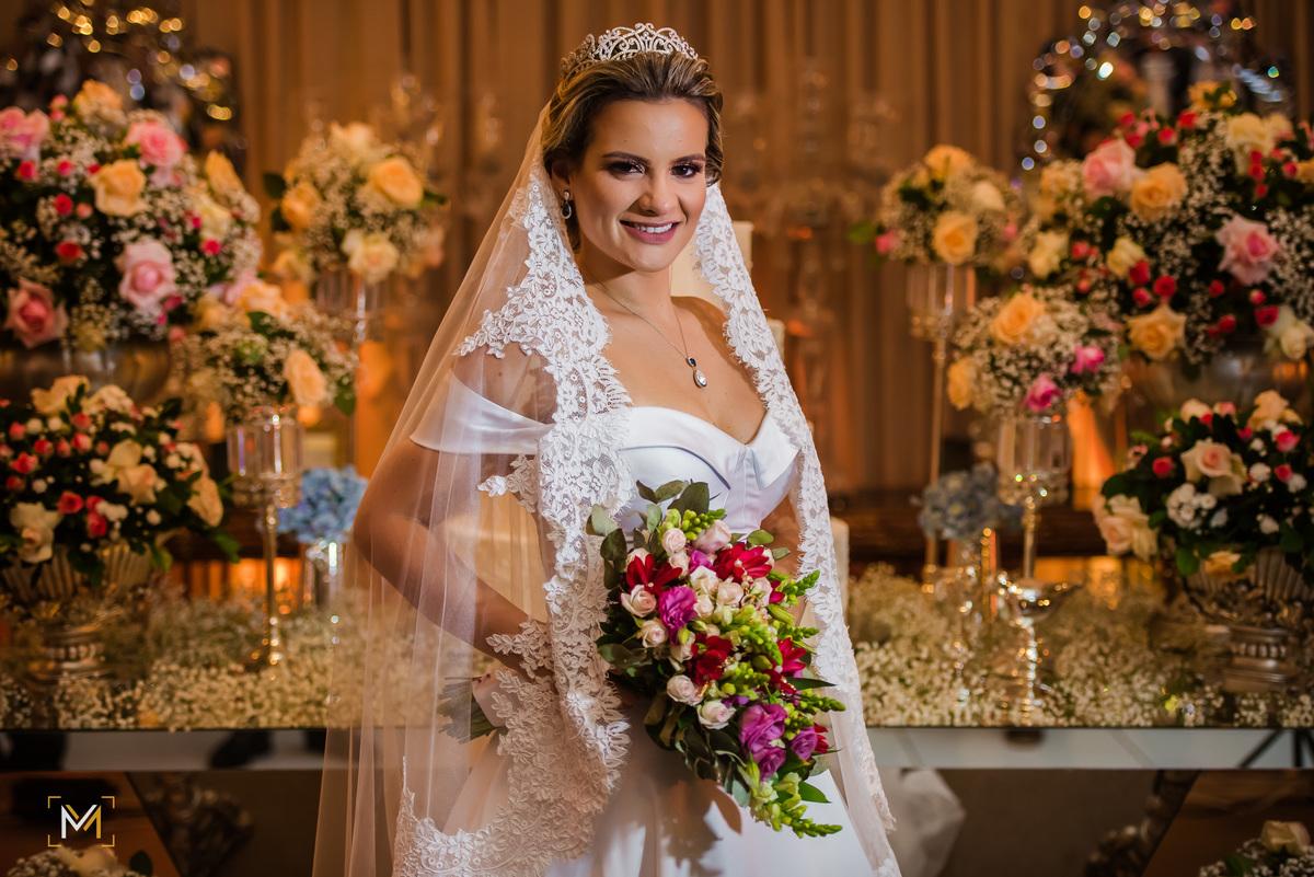 Imagem capa - O vestido ideal para o seu casamento: como escolher? por MARCOS MOLLIK FOTOGRAFIAS