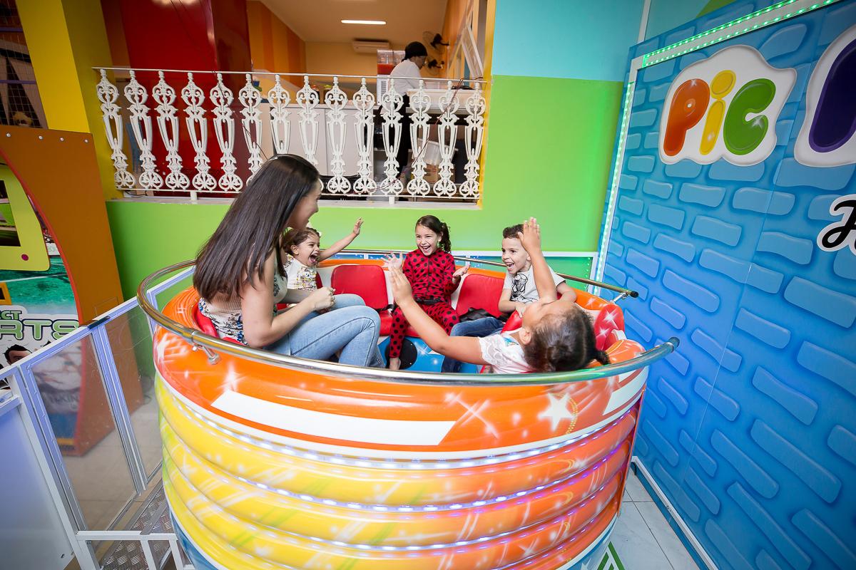 Peachy Festa Infantil Lavinia 6 Anos Pic Park Salao Infantil Interior Design Ideas Gentotryabchikinfo