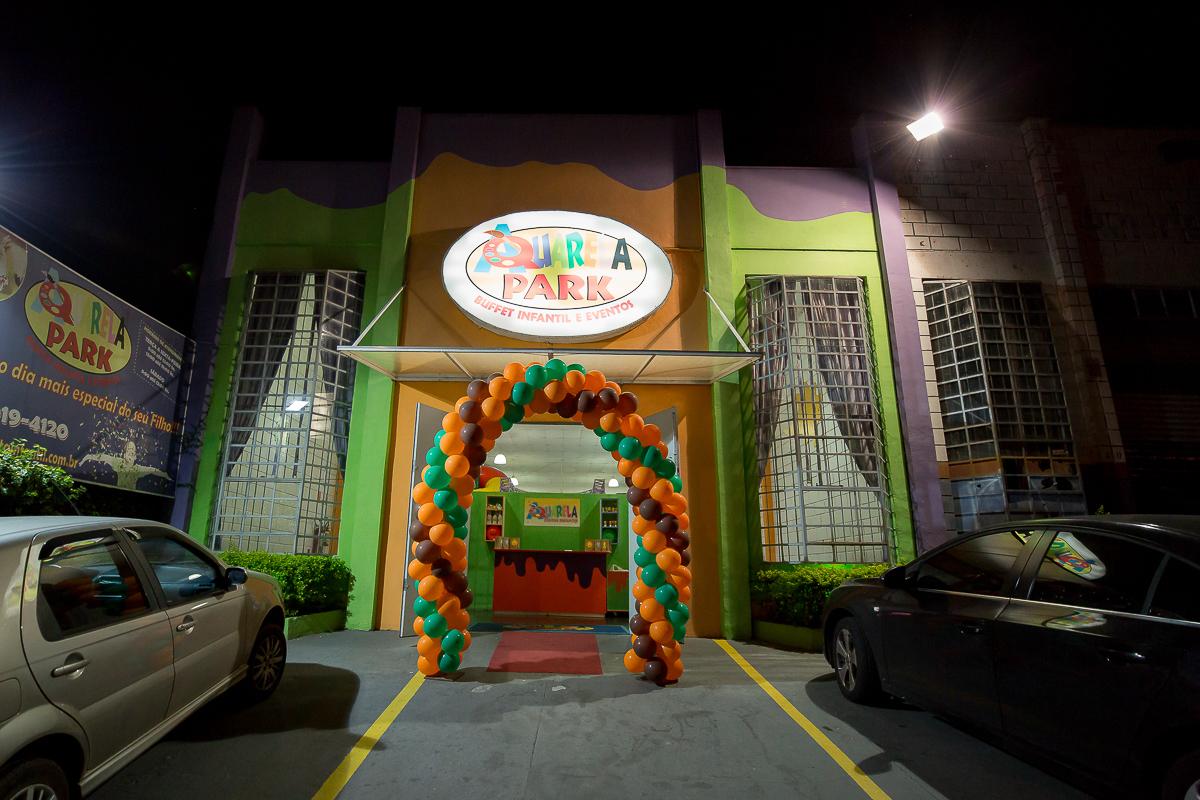 Strange Festa Infantil Bruno 1O Aninho Aquarela Park Buffet Infantil Home Interior And Landscaping Ologienasavecom