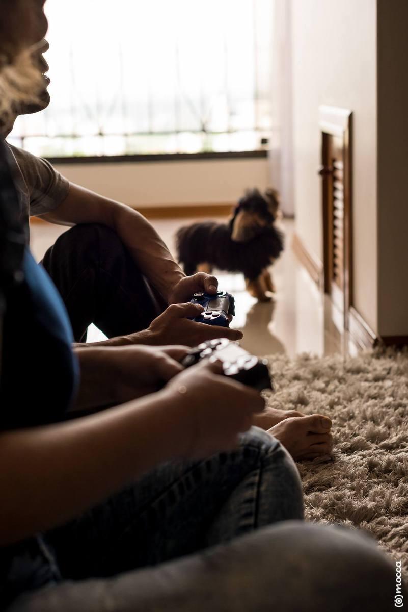 ensaio casal, ensaio fotográfico, amor, lajeado, casa nova, ensaio casa nova, videogame, playstation