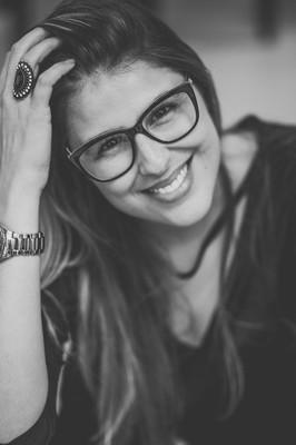 Sobre Fotógrafa de Porto Alegre - Josiane Cruz, fotógrafa de casamentos, 15 anos, infantil, empresarial, ensaios,.