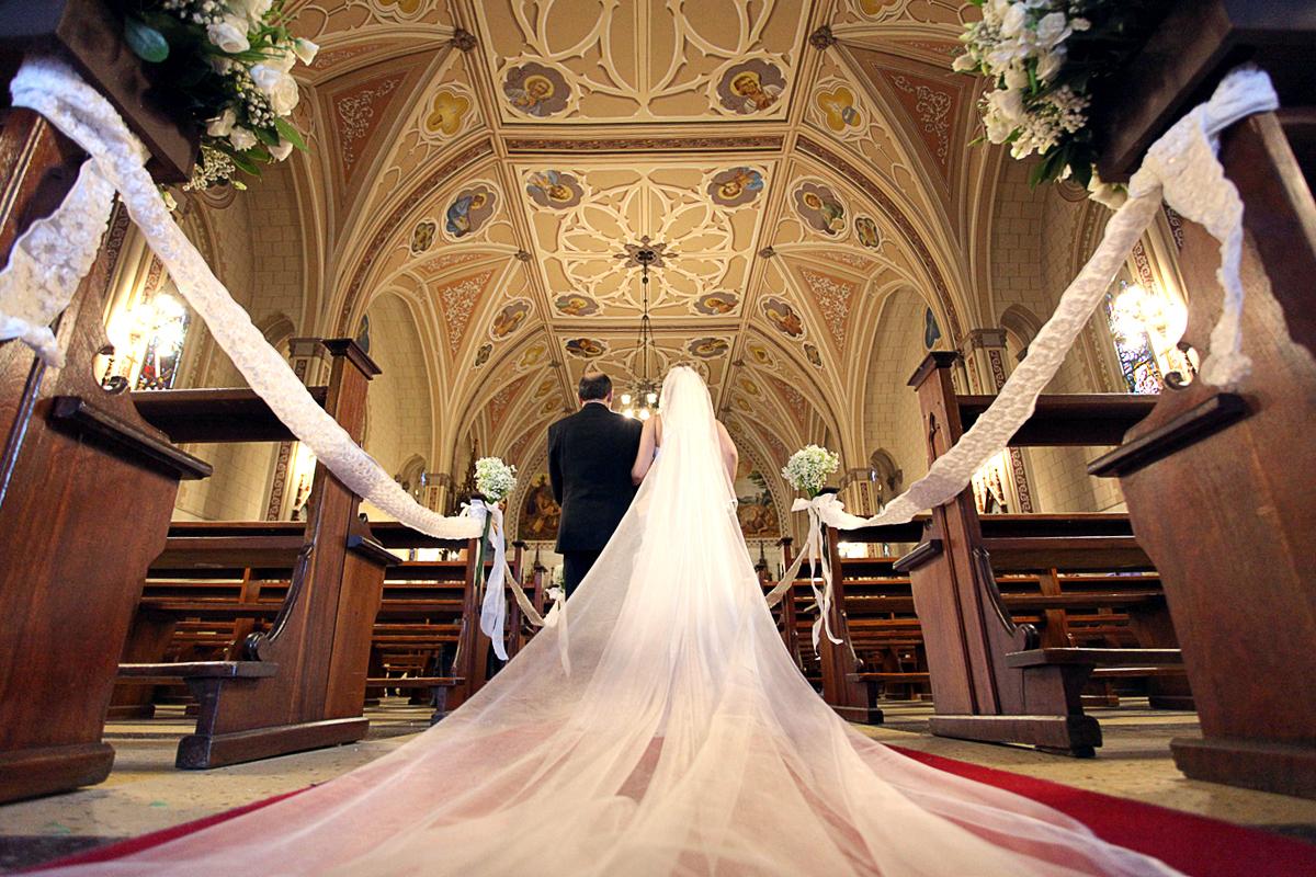 Imagem capa - Como escolher o véu de noiva ideal por FM Photographer LTDA